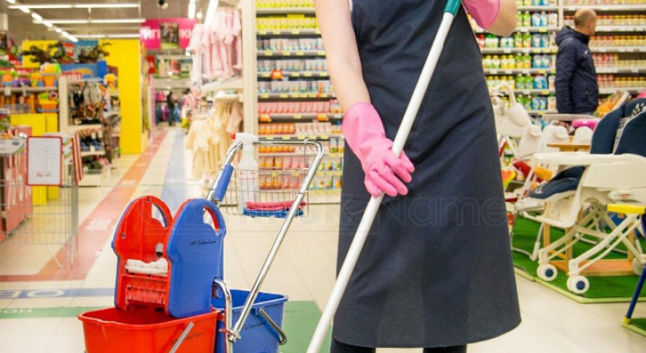 В Обнинске магазин заплатит крупный штраф за то, что нанял уборщицу-иностранку без документов